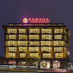 رامادا اند سوئیتز شیشلی