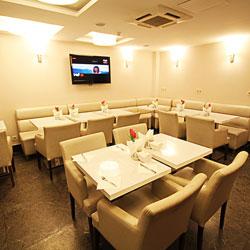 رستوران و بار هتل آریستو کرت
