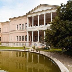 موزه نقاش و مجسمه