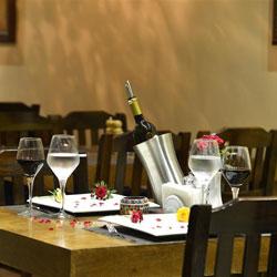 رستوران و بار هتل هاردن گیت