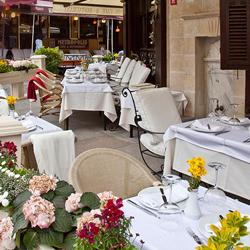 رستوران و بارهای هتل جی ال کی آکروپل پرمییر سوئیتز