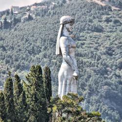 مجسمه کارتلیس ددا (مجسمه مادر گرجستان)
