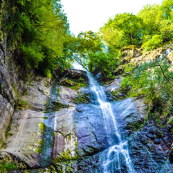 آبشار ماخونتستی