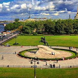 میدان سنا (تندیس سوارکار برنزی)