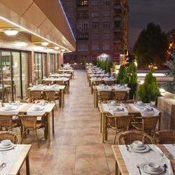 رستوران و بارهای هتل دوندار