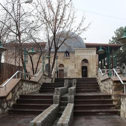 مسجد و مقبره طاووس بابا