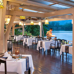 رستوران روئن تای