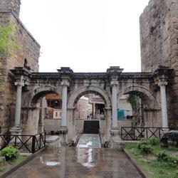 دروازه هادریان - هادرینز گیت