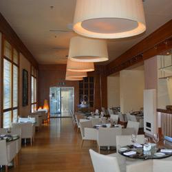 سالن استراحت و پذیرایی میل رستوران اند لانج