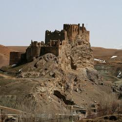 قلعه هوشاپ