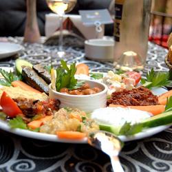 رستوران و بارهای هتل جاگداس