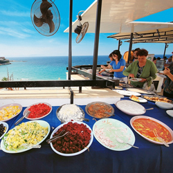 رستوران و بارهای هتل آسنا
