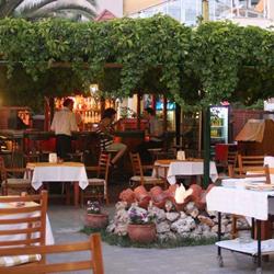 رستوران و بارهای هتل سوزر