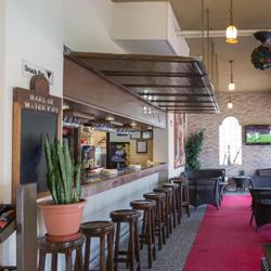 رستوران و بارهای هتل سی ویو
