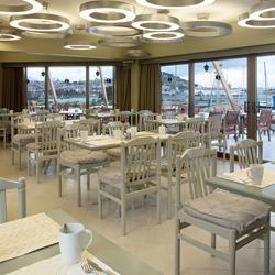 رستوران و بارهای هتل سنتیدو مارینا سوئیتز