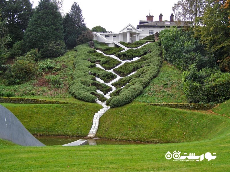 باغ تفکرات کیهانی (The Garden Of Cosmic Speculation)