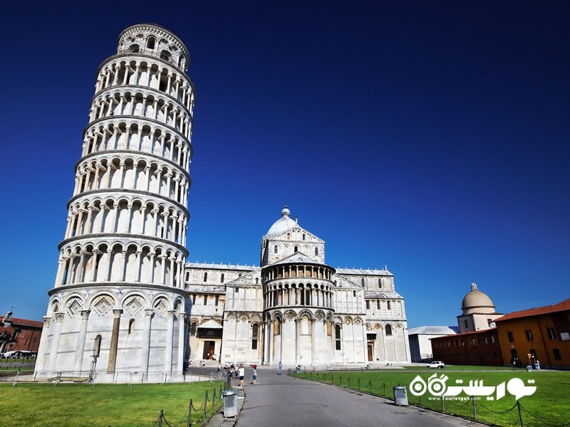 برج کج پیزا (the Leaning Tower of Pisa)