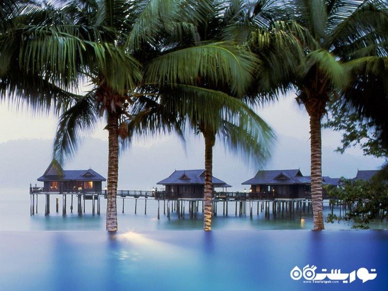 استراحت مطلق در جزیره پانگکور لَوت