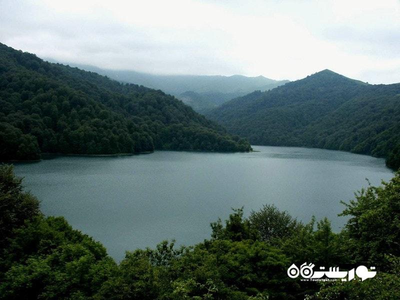 7.دریاچه گویگول (Lake Goygol)