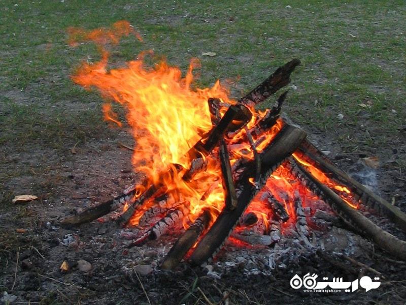برپا کردن آتش