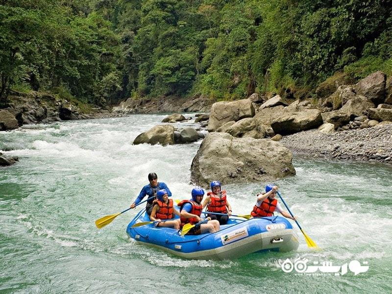 6. از طریق آبهای خروشان به هتل بروید، کاستاریکا (Costa Rica)