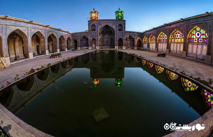 حیاط مسجد نصیر الملک