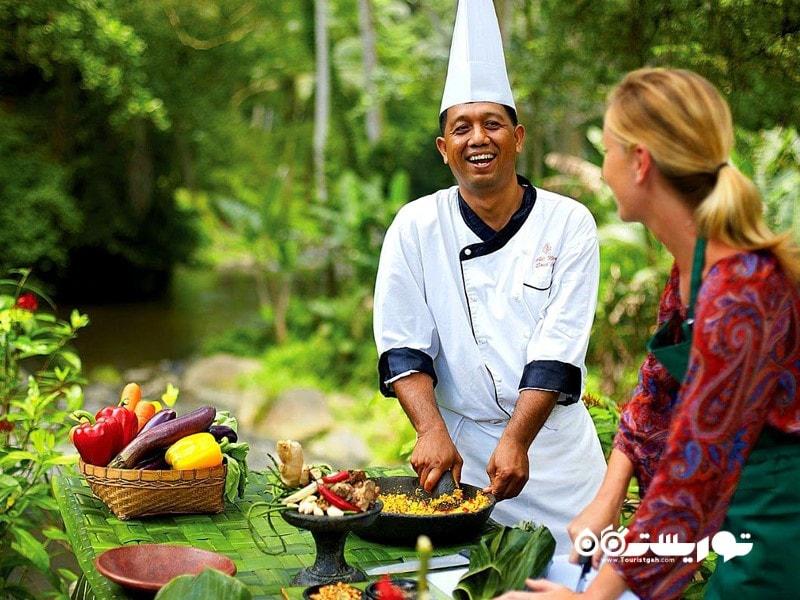 6. پختن یک غذای ویژه را یاد بگیرید.