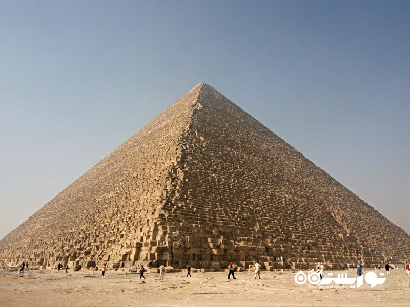 هرم بزرگ جیزه (the Great Pyramid of Giza)