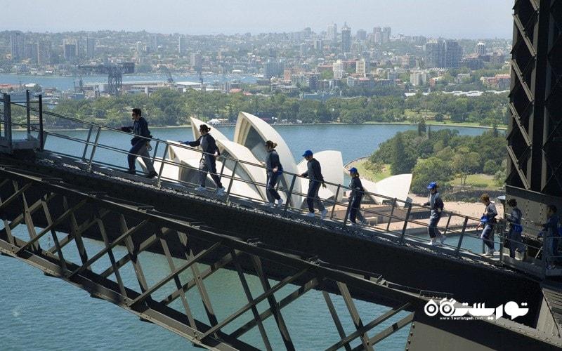 6. سیدنی را بر فراز پل بندرگاه سیدنی (Harbour Bridge) تماشا کنید، استرالیا