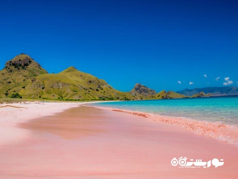 ساحل شن های صورتی (Pink Sand Beach)