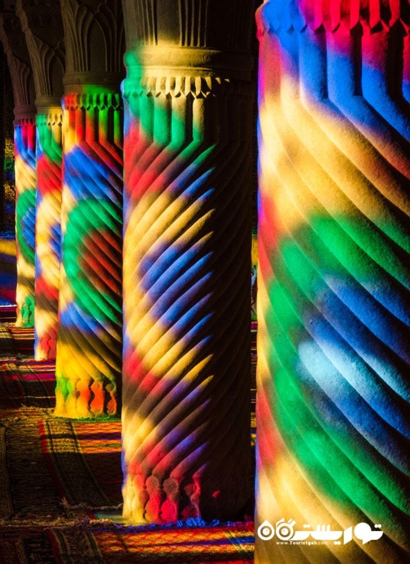 ستون هایی از رنگ های فراوان