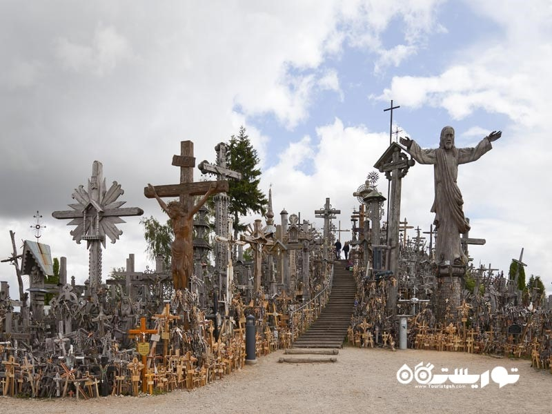 5 – تپه صلیب ها (The Hill of Crosses)، لیتوانی (Lithuania)