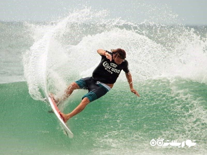 تور جهانی موج سواری در ساحل گُلد