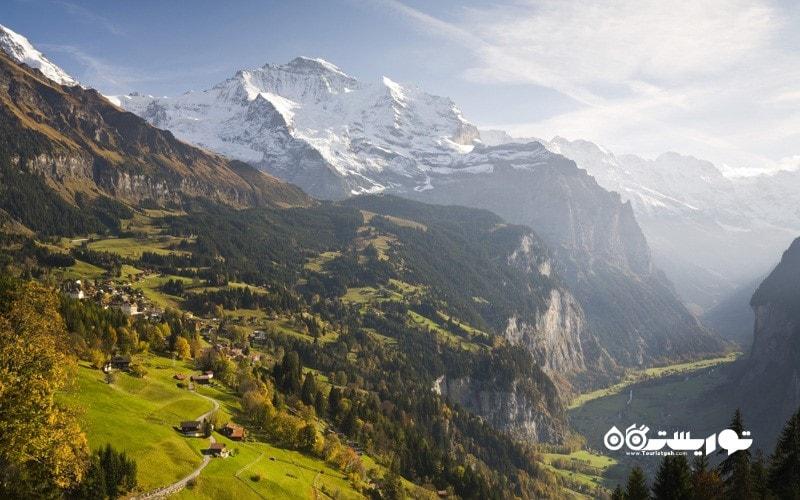 10. بر فراز ونگن (Wengen) پاراگلاید سواری کنید، سوئیس