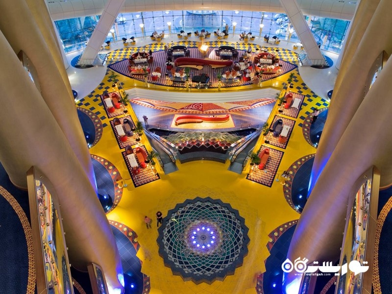 در هتل برج العرب به اندازه پوشش طلایی 46265 بار نقاشی مونالیزا از طلا استفاده شده