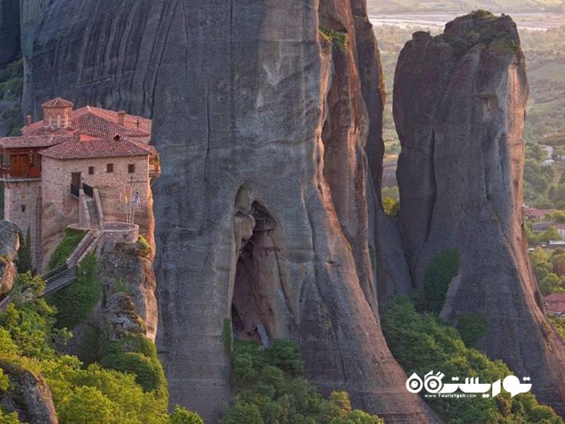 33.صخره های معلق متئورا (Meteora)، یونان