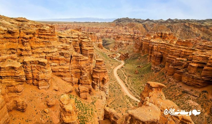 قزاقستان بزرگترین کشور دنیاست که محصور در خشکی می باشد