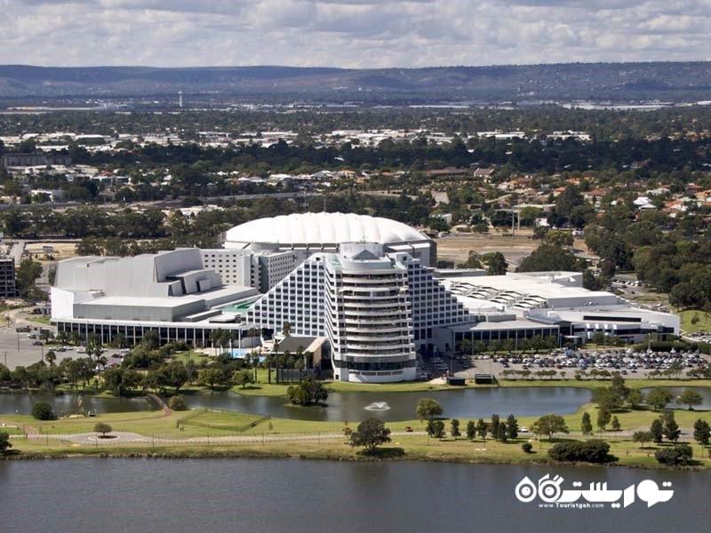 مجموعه کرَوُن پِرث (Crown Perth)، یک مرکز تفریحی و پاتوق شبانه