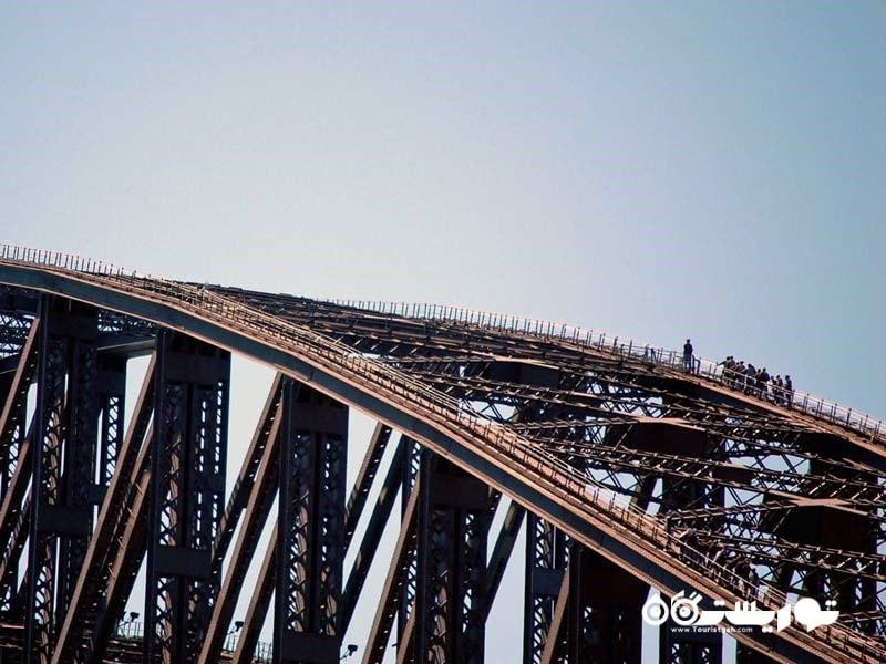 از پله ها، نردبان ها و سکوی پل بندر سیدنی بالا بروید