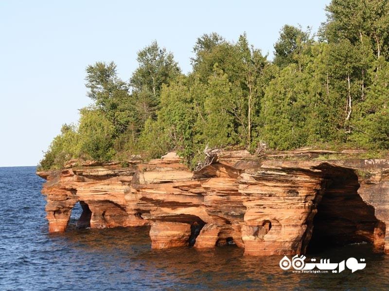 جزایر آپوستِل (The Apostle Islands)، ایالت ویسکانسین (Wisconsin)