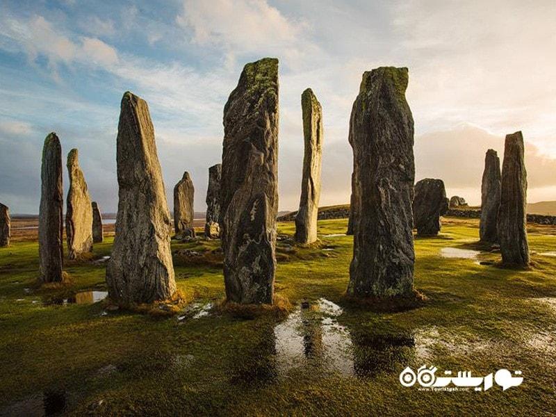 13.سنگ های ایستاده روستای کالانیش (Standing Stone of Callanish)